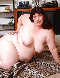 bbw topless